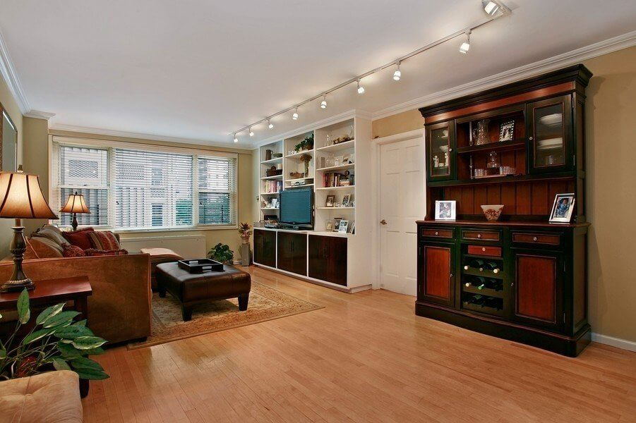 444 East 75th Street Apt 4d