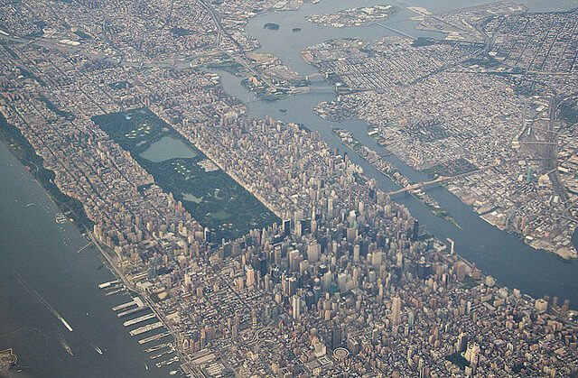 Uptown Life: Should I Live on the Upper East or the Upper West?