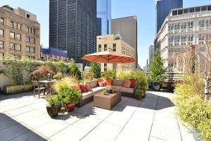 Terrace Time: 10 Party Planning Tips for an Outdoor Space in the City